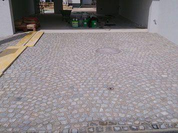 Garageneinfahrt / Innenhof