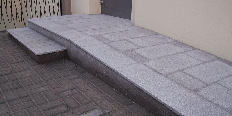 Granitbodenplatte - 60 x 30 cm